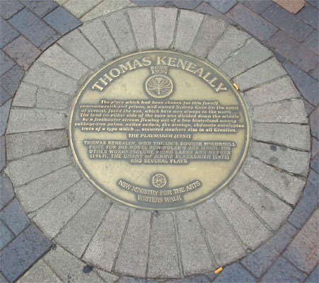 tom_keneally_plaque.jpg